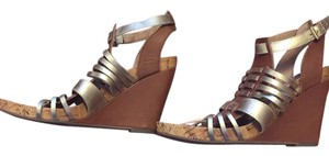 BCBGeneration Brown/Gold Wedges