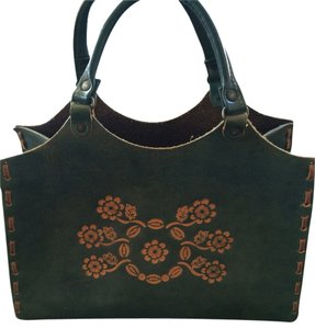T-Bags Los Angeles Leather Floral Tote in Green