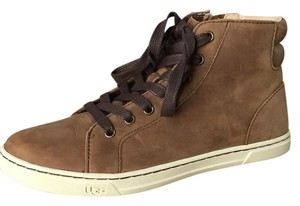 UGG Australia chocolate Athletic