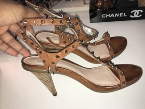 Kenneth Cole brown / tan Pumps