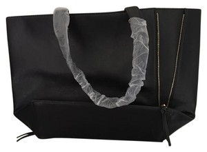 Neiman Marcus Tote in black