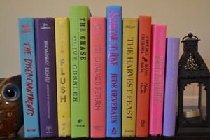 Vintage Style Books - Bright Spring - T150 - Set Of 10