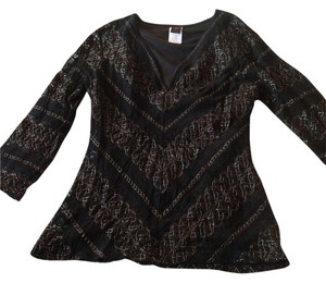 Wrapper Gold Lace Top Black