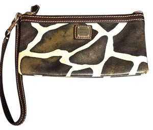 Dooney & Bourke Wristlet in brown and cream giraffe