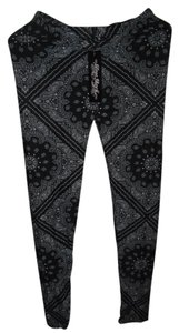 True Rock printed white/black Leggings