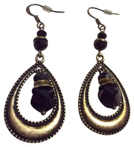 Premier Designs Fish hook earrings