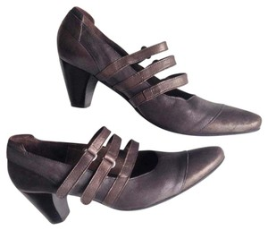 Fidji Heels Italian Leather Made In Portugal Metallic Bronze, pewter, copper Pumps