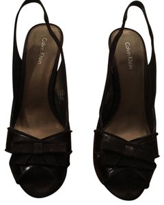 Calvin Klein chocolate brown Pumps