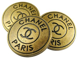 Chanel Chanel Button 20mm