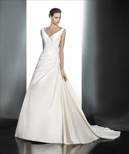 Pronovias Praveda Wedding Dress