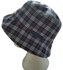 Burberry FINAL SALE! Kids Burberry Navy reversible Bucket Hat