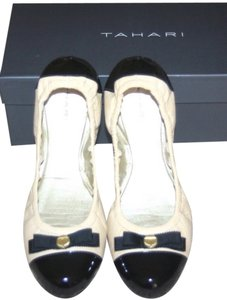 Tahari Cream black Flats