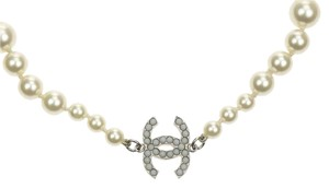 Chanel Chanel 09V Faux Pearl CC Logo Necklace