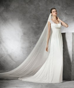 Pronovias Taima Wedding Dress
