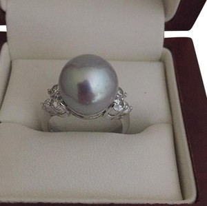 real pearl ring Tahiti 8 mm gray color real pearl with Cz stones