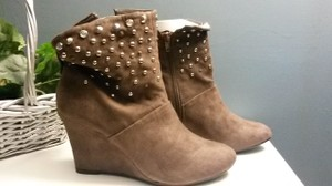 Kathy Van Zeeland Leather Suede Studded Wedges Brown Boots