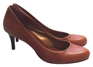 Banana Republic Cognac Pumps