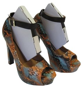 Charlotte Russe Size 8.00 M Reptile Design Very Good Condition Neutral, Brown, Peach, Blue Platforms