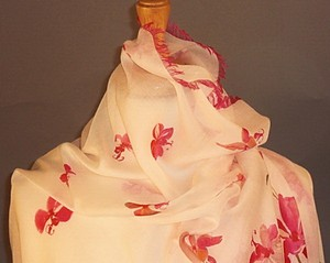 Valentino Cashmere Silk New Romantic Luxe Couture Stole Wrap In White and Red Feminine Wedding Dress Size OS (one size)