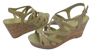 Kelly & Katie Brand New Size 9.50 M Excellent Condition Neutral Wedges
