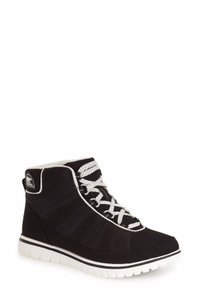 f2ef5313361af Sorel Sneakers Up to 90% off at Tradesy