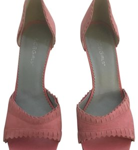 BCBGeneration Suede pink Pumps