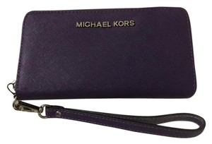 Michael Kors Wristlet in Purple