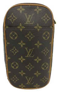 Louis Vuitton Lv Pochette Gange Canvas Shoulder Bag