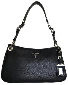 Prada #pradabag #p101201616983a #pradavitellophenix #pradasacca #pradablackleather Shoulder Bag