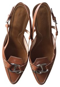 Tod's Camel Brown Pumps