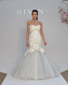 Rivini Sample Like New Rivini Ynie Wedding Dress