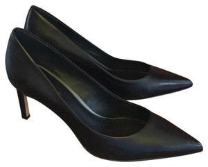 Elie Tahari Leather Black Pumps
