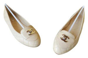 Chanel light beige Flats