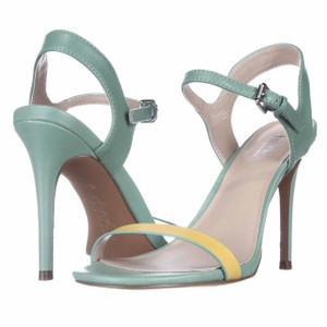 Charles by Charles David Green Pumps
