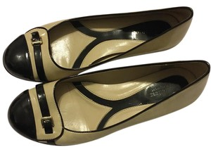 Naturalizer black & beige Flats