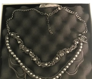 Chanel (SALE) NIB RUNWAY LTD EDITION PEARLS CHAIN NECKLACE