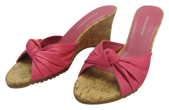 Preload https://item2.tradesy.com/images/naturalizer-pink-neutral-m-leather-very-good-condition-wedges-size-us-7-regular-m-b-20689376-0-1.jpg?width=440&height=440