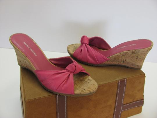 Naturalizer Size 7.00 M Leather Very Good Condition Pink, Neutral Wedges