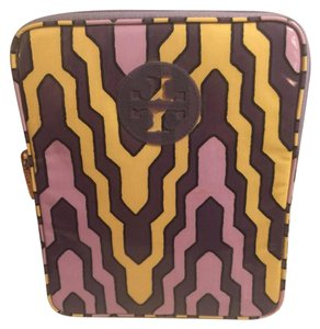 Tory Burch NWOT-TORY BURCH PURPLE/YELLOW PRINT IPAD (FULL SIZE) CASE/SLEEVE