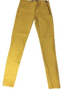 Zara Capri/Cropped Pants Yellow