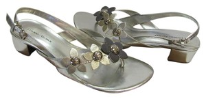 Etienne Aigner New Leather Size 7.00 M Excellent Condition Silver, Gold, Bronze Sandals