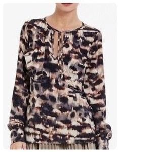 BCBGMAXAZRIA Top brown black