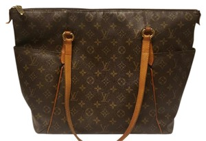 Louis Vuitton Gm Totally Tote in Monogram