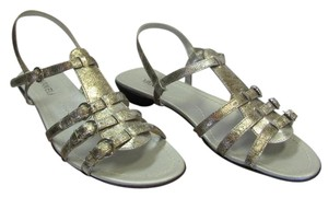 Vaneli Size 9.50 M Speckled Texture Very Good Condition Silver Sandals