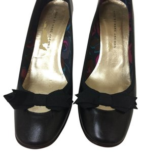 Marc Jacobs Ribbon Italian Leather Black Pumps