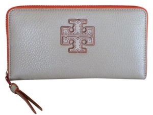 Tory Burch NEW TORY BURCH STACKED-T COLOR BLOCK ZIP CONTINENTAL WALLET