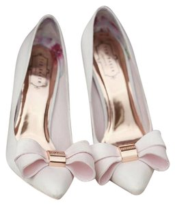 Ted Baker Ichlibi Court Lipinkstain Pumps