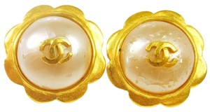 Chanel Chanel Cc Logo Pearl Flower Shape Clip On Earrings