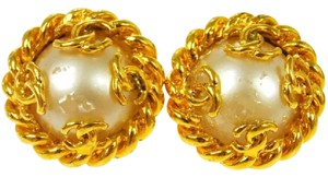 Chanel Chanel Vintage Pearl Cc Logo Clip On Earrings