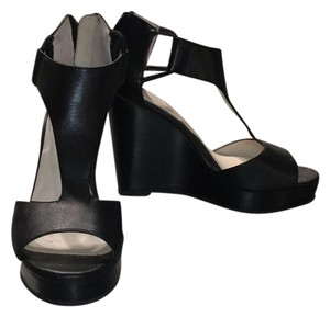 Kenneth Cole black Wedges